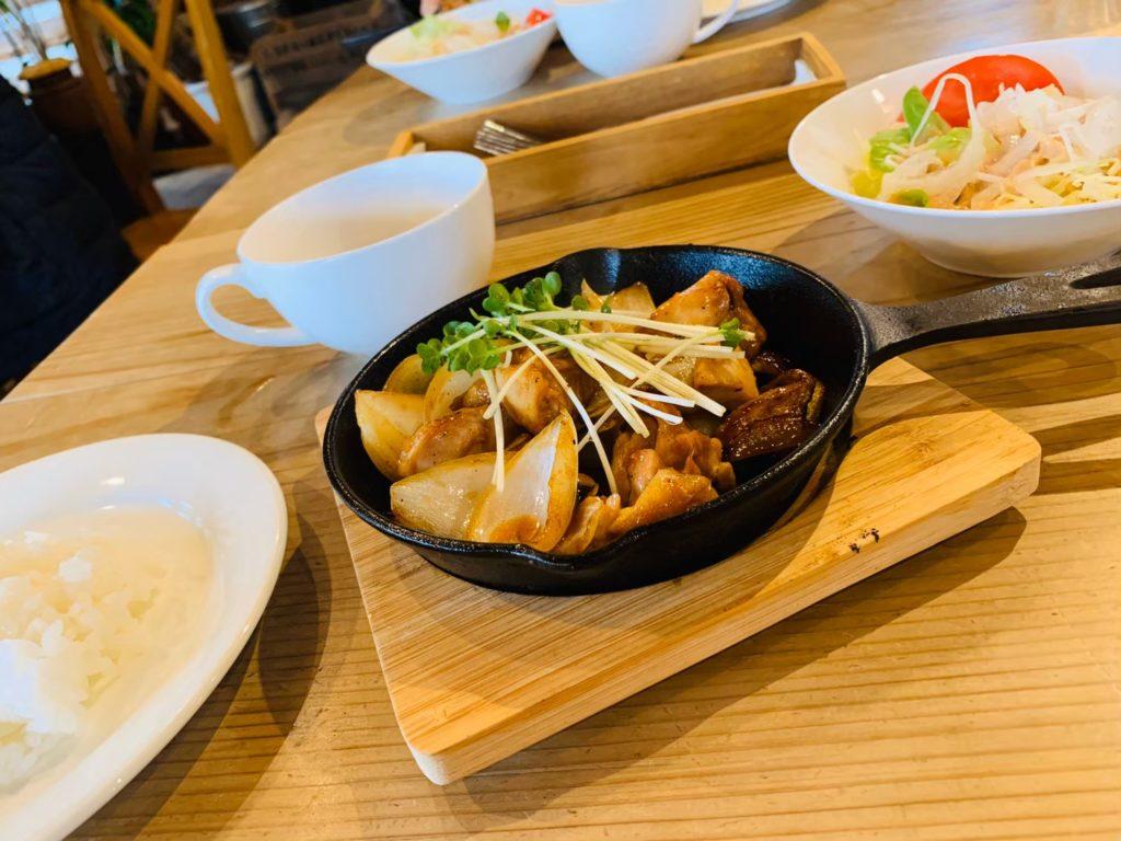 チキンカツ定食 海カフェ