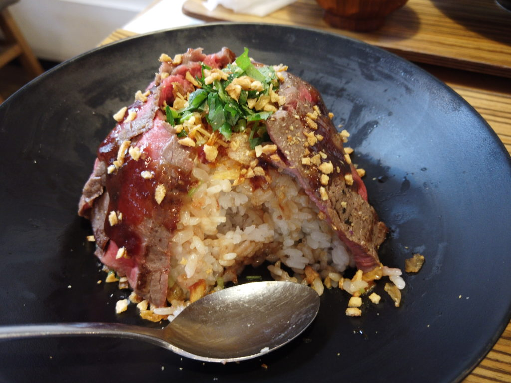 佰食屋ステーキ丼